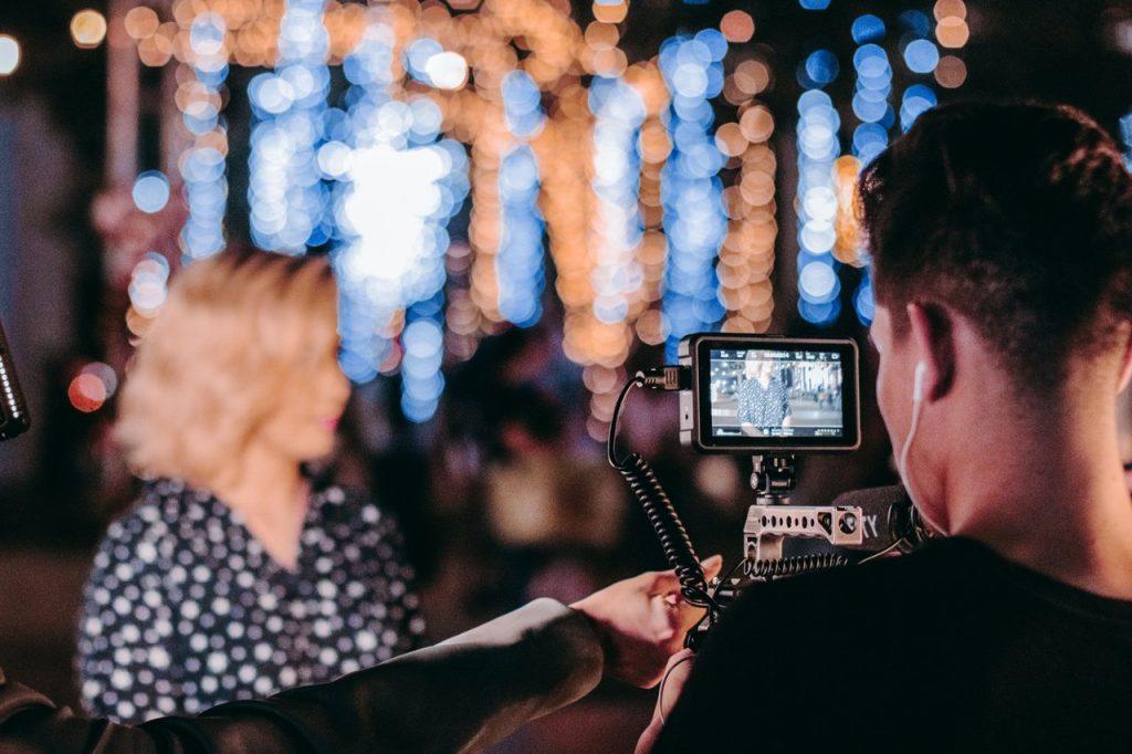 Transkrypcja filmów – w jakich sytuacjach może Ci się przydać?